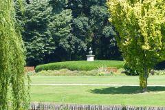 Burg Hülshoff  | Büste Annette von Droste-Hülshoffs im Burggarten