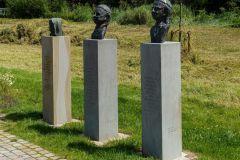 Gruppe 2 von bedeutenden Lüdinghausener Köpfe am Kapitelweg