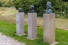 Gruppe 3 von bedeutenden Lüdinghausener Köpfe am Kapitelweg