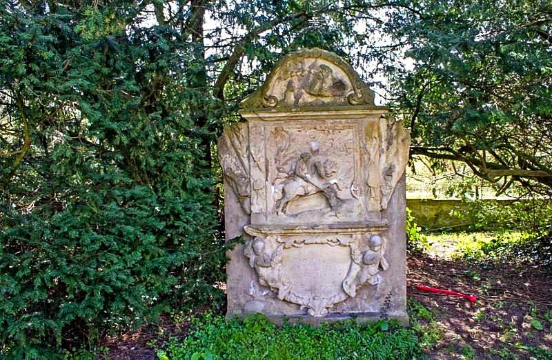 Haus Itlingen - Bildstock vom Heiligen Sankt Georg
