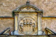 Schloss Westerwinkel | Wappen über Tor zum Hauptschloss