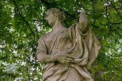 (4) Statue an der Burgallee - Diana