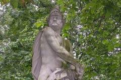 (6) Statue an der Burgallee - Mars