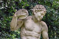 (7) Statue an der Burgallee - Faunus