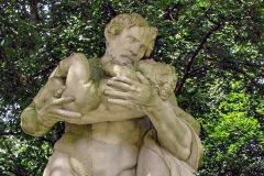 (10) Statue an der Burgallee - Saturnus
