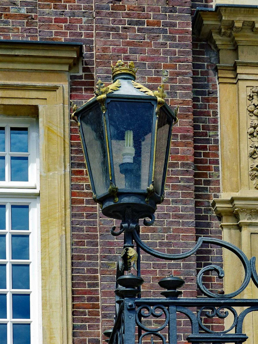 Beleuchtung im Ehrenhof
