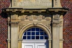 Schloss Nordkirchen Eingangsportal Kapellenflügel mit Erinnerungstafel