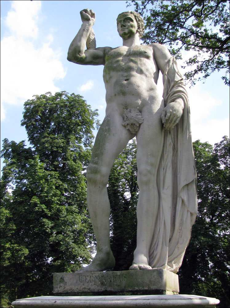[8] Statue an der Burgallee | Germanicus