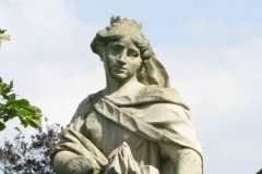 [6] Statue an der Burgallee | Artmesia
