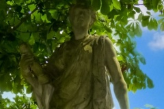 Statue an der Burgallee | Uranie-Muse