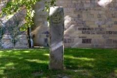 Schloss Cappenberg | Stele an der Stiftskirche