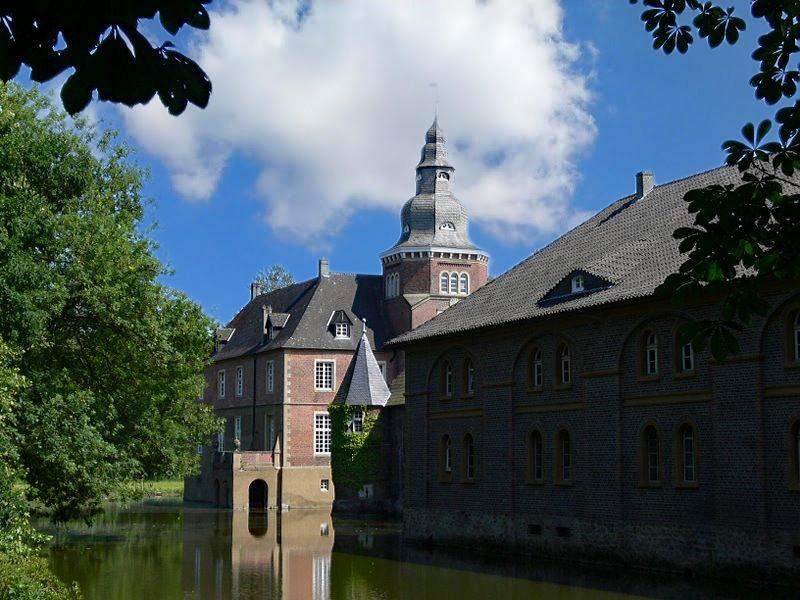Schloss Sandfort, oft auch Haus Sandfort genannt