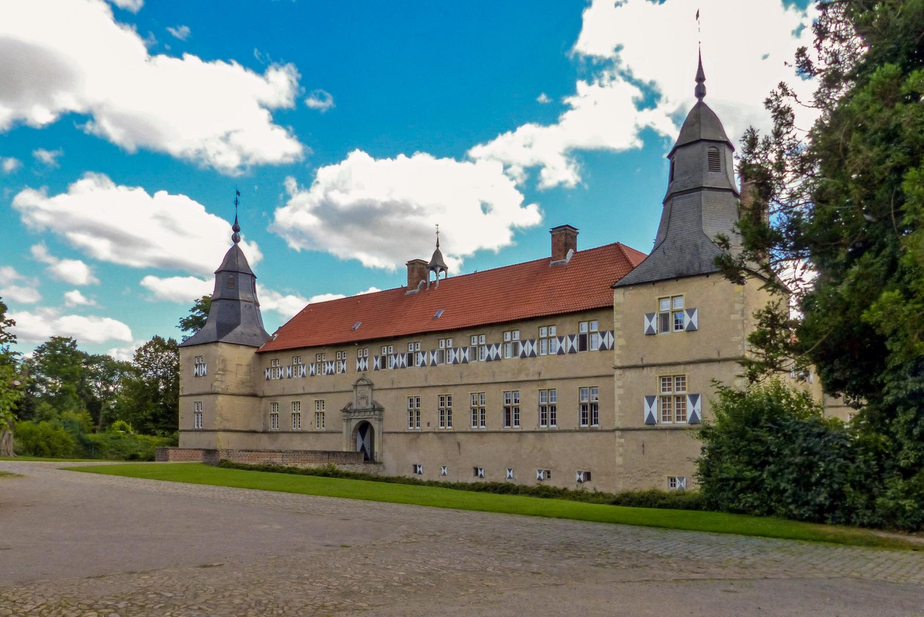 Schloss Westerwinkel   Hauptschloss vom Innenhof